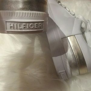 9c505cdfa Tommy Hilfiger Shoes - TOMMY HILFIGER Laddi Sneakers EUC